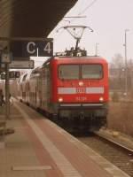 BR 112/185438/am-10032012-stand-112-139-mit Am 10.03.2012 stand 112 139 mit ihrem Zug (OTTO HAT ZUGKRAFT)als RB 29 von Salzwedel nach Stendal in Salzwedel auf Gleis 4 zur Abfahrt bereit.